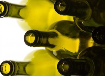 Es findet sich für fast jeden Geschmack den richtigen Wein (Foto: © Rainer Sturm, pixelio.de)